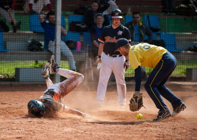 Softbalový slide